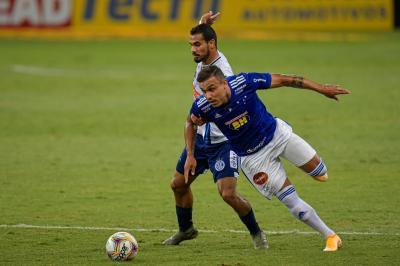 Atuações do Cruzeiro: Brey mal na defesa (de novo), Régis apagado, e ataque perdendo gols