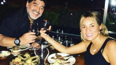 Amor pela ex colaborou para tristeza final de Maradona; saiba quem é ela