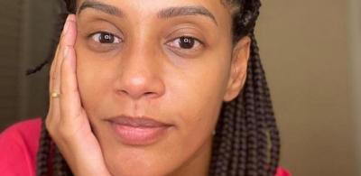 Taís Araújo posa sem maquiagem e diz: 'Mãe tá on e continua se amando'