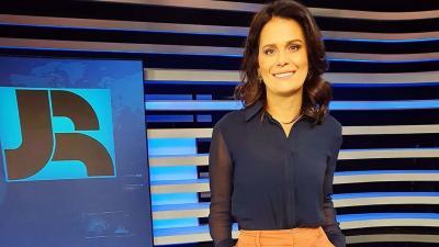 Após crítica a Bolsonaro, Adriana Araújo deixará Record