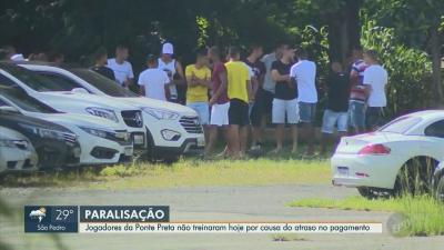 Elenco da Ponte Preta deixa CT sem treinar em protesto contra o atraso nos pagamentos